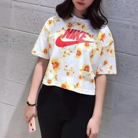 Nike Floral Print Cropped Top Tee T Shirt2