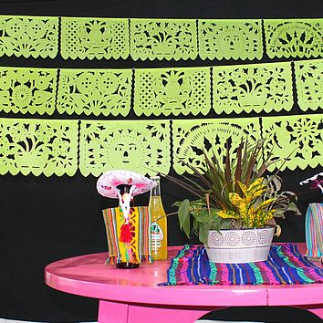 Fiesta Decorations in Lime Green 60ft WS350