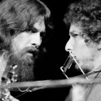George Harrison and Bob Dylan Performing Together at Rock Concert Benefiting Bangladesh Stampa fotografica Premium di Bill Ray su AllPosters.it