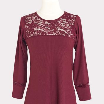 Reina Lace Panel Top in Berry