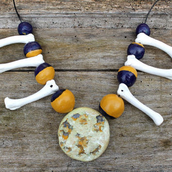 High Priestess ritual necklace, Wiccan Witches Moon phase necklace, Full Moon pendant, Voodoo priestess, Hoodoo ritual, real bone jewellery