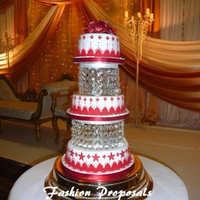 SALE  Wedding Cake Stand or cake dividers with Crystals/ Chandelier Acrylic. Wedding Cake Stand. Cupcake stand. Dessert Stand