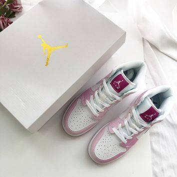 Air Jordan 1 MID Pink Sneakers