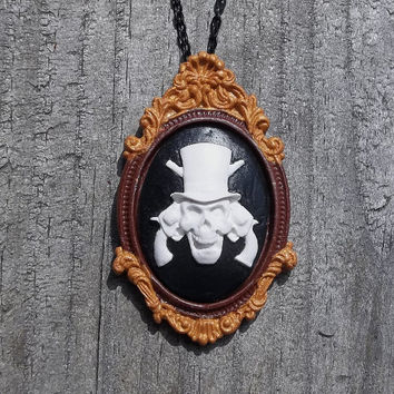 Smithfits Skull & Guns Cameo in Gilded Picture Frame Cameo Necklace, Classic Cameo in Brown and Gold Frame