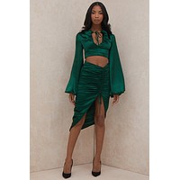 fhotwinter19 new women's hot sale sexy V-neck lace lantern sleeves pleated short top long skirt two-piece suit