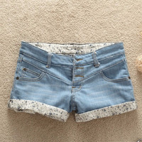 2013  summer shorts three button denim shorts lowing jeans = 5708563713