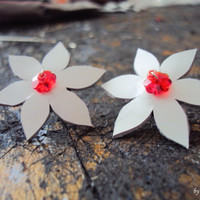 White Leather Earrings, White Flower Earrings, White Red, Leather Jewelry, Floral Jewelry, Winter Earrings