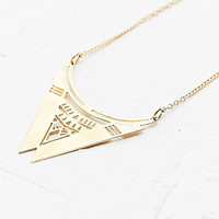 Chic Alors Barry Necklace in Gold - Urban Outfitters