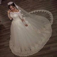 2017 Luxury Vintage Long Sleeves off Shoulder Wedding Dresses Princess Lace Alliques Bridal Bride Gowns robe de mariage