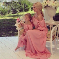 Mother daughter dresses 2017 strapless chiffon mother daughter dresses matching mommy and me clothes family look mother daughter