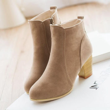 Autumn and winter short cylinder boots with high heels boots shoes Martin boots women ankle boots with thick scrub A547