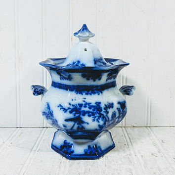 """Flow Blue Sugar Bowl Amoy Pattern by Davenport Antique 5 1/2"""" Sugar Bowl Dining Serving Biscuit or Cookie Jar Asian Oriental Scenic Design"""