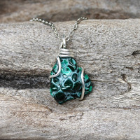 Natural Malachite Necklace // Wiccan Jewelry // Raw Stone Jewelry // Malachite Jewelry // Stone Necklace // Wicca Pendant // Gypsy Necklace