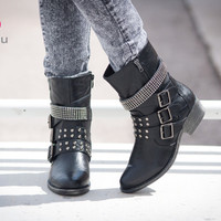 Shoes 4U Las Vegas - High Fashion, Chic, Fabulous, Fashionista, Flats & Sneakers, Boots, Flats, Sneakers, Heels, Wedges, Sandals, accessories, chains, necklaces, rings at a affordable price. | Page 4