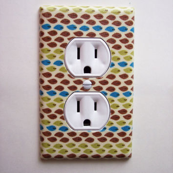 Minimalist  Leaves Outlet Plate