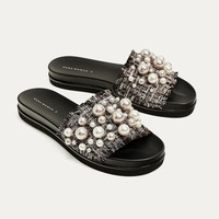 SLIDES WITH FAUX PEARLS