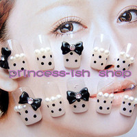 Kitty Nails-kawaii fake sweets nail art.