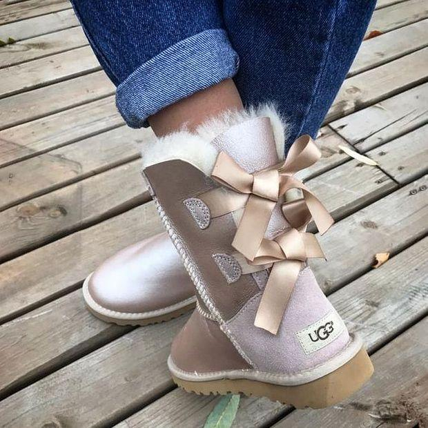 Image of UGG Fashionable Bow-tied Velvet Uggs Are Hot Sellers Of Casual Ladies' Wool Boots Shoes