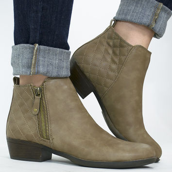 Quilted Dark Natural Ankle Boot