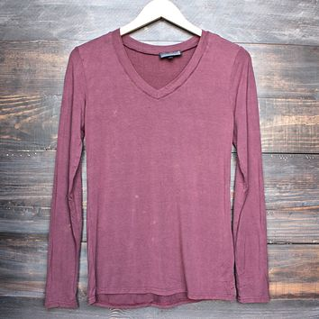 Final Sale - POL BASIC - Vintage Acid Wash V-Neck Long Sleeve Shirt in Burgundy
