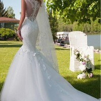 [173.99] Elegant Tulle Mermaid Wedding Dress With Lace Appliques & Handmade Flowers - dressilyme.com