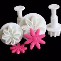 Daisy Cookie Cutter and Mold Set