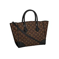 Tagre™ Authentic Louis Vuitton Monogram Canvas Phenix MM Bag Handbag Article: M41542 Made in