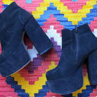 VINTAGE WOMANS 70's chunky heel platform shoes wooden seventies 60s ankle boot suede leather genuine vintage psychedel