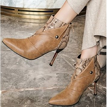 The new trend is versatile with thin heels in matching colours, pointy ankle-length ankle boot shoes