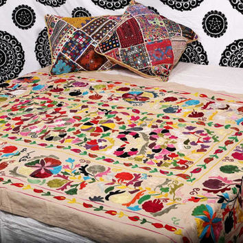 Suzani Bedspread , Suzani Throw , Suzani Tapestry , Suzani Wall Hanging , Twin Suzani Blanket Fabric Quilt , Handmade Indian Suzani Bedding