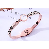 BVLGARI new simple fashion ladies bracelet Rose gold