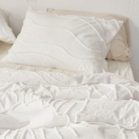 Margot Tufted Floral Comforter | Urban Outfitters