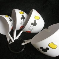 Disneys Mickey Mouse Measuring Cups