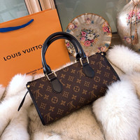 Louis Vuitton LV Monogram Handbags Shoulder bag