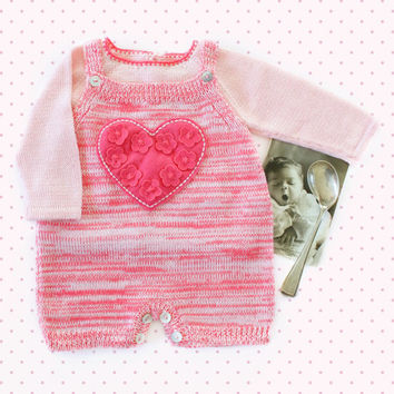 Knit baby overalls, sweater.Baby girl. Blended pink. Felt heart and flowers. Baby gift. 100% merino wool. READY to SHIP size NEWBORN.