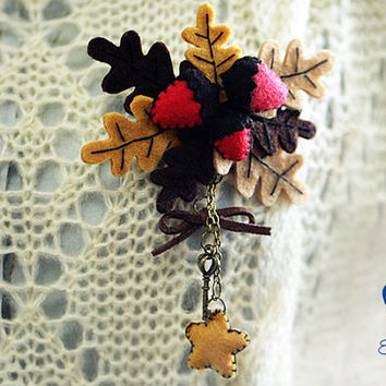Christmas Style Acorn, Leaves and Star Pin DIY Felt Craft Kit OR Finished Product,Christmas Decor,Christmas Hanging Decoration,Handmade Gift
