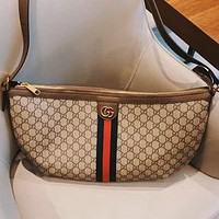 GUCCI 220 New Embroidered Logo Crossbody Bag Crescent Bag