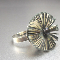 Literary blossom - adjustable sterling silver Ring with book fragment and black sweetwater pearl