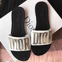 Dior CD Fashion Lady Beach Sandals and Slippers Metal Letter LOGO Logo Flat Slippers 1