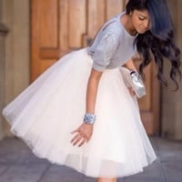 White Tulle Knee Length Bridesmaid Dress Short Tutu Dress Semi Formal Dress For Maid of Honor Dresses Custom Color Size