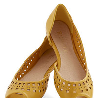 Restricted Cute Cubed Flat in Mustard