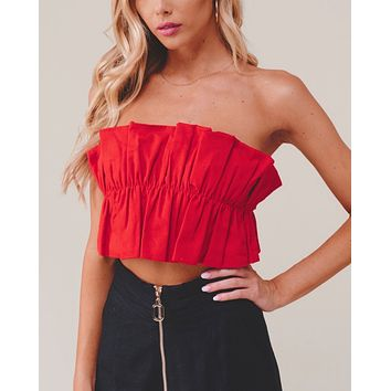 double take ruffled crop top in red