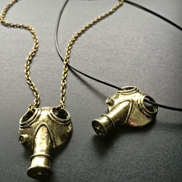 Steampunk Jewelry Gas Mask Necklace - Doctor Who Jewellery Apocalypse Mask Gothic Fandom Geeky Pendant