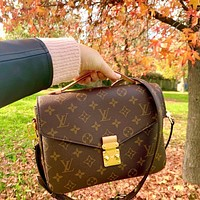 LV Louis Vuitton women's all-match handbag shoulder bag