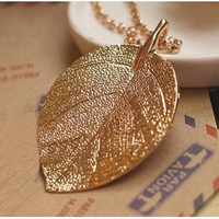 Costume Jewelry Gold Color Alloy Leaf Design Pendant Necklace For Women (Color: Gold) = 1669401860