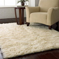 3.5-Ft x 5.5-Ft Hand Woven Wool Flokati Area Rug in Natural Color