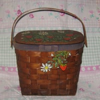 VtG WOODEN Basket weave purse HANDPAINTED strawberrie and daisies