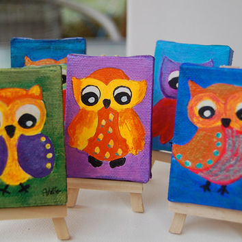 Mini painting. Artwork. Owl. Tiny 3x2 inch- Original painting on canvas. Easel included