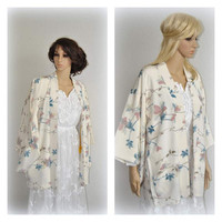 Luxurious Vtg Silk Kimono Jacket Japanese Haori Short Robe Cream Off White Floral Weddings Accessories Cover up Size Small Medium Large