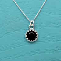 Black Onyx necklace 925 Sterling Silver crown setting and box chain, 8 mm gemstone, handmade silver necklace, vintage Gothic style